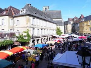 Sarlat Market in Place de la Liberte